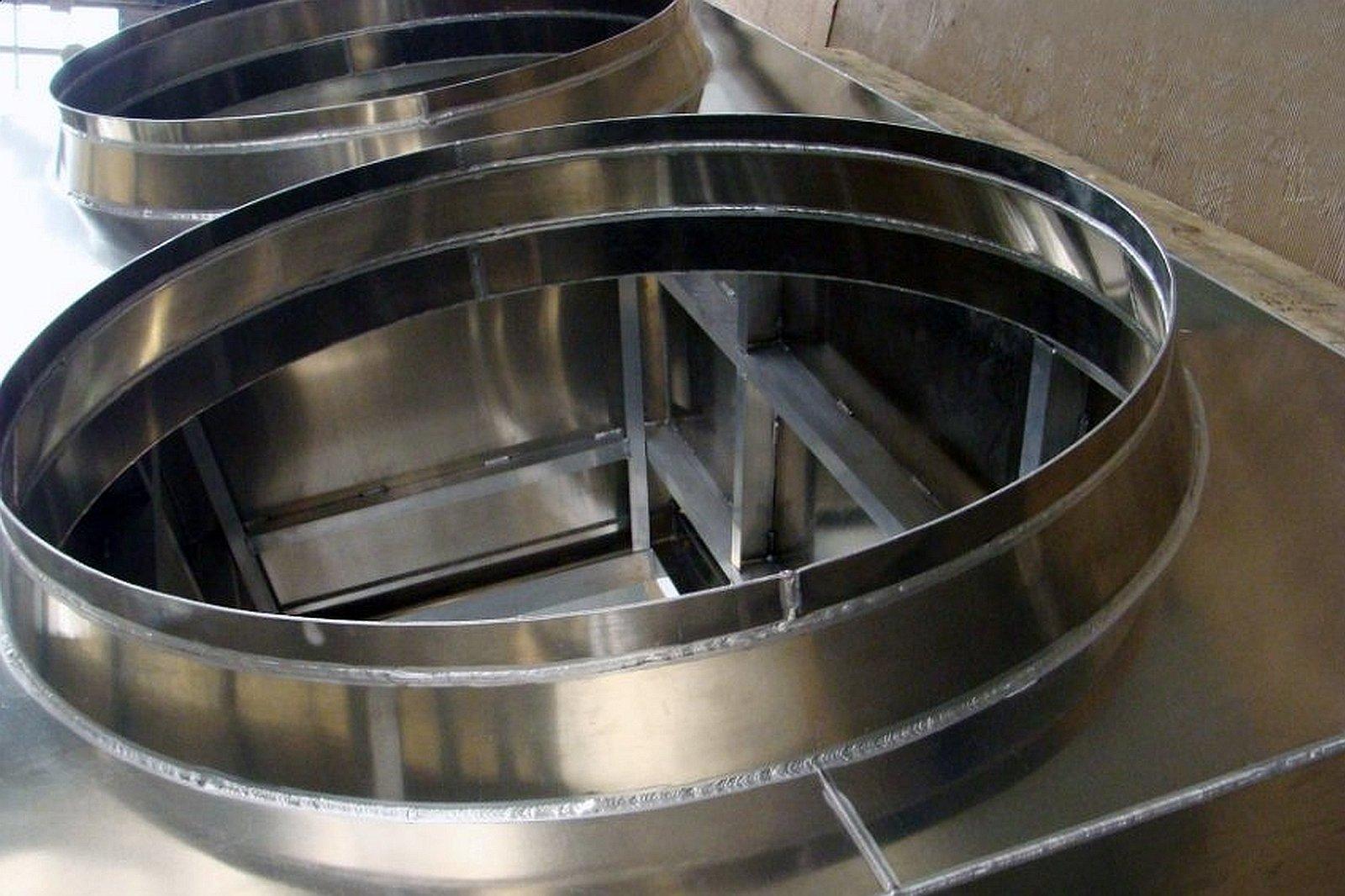 Skomplikowane technicznie konstrukcje aluminiowe i stalowe